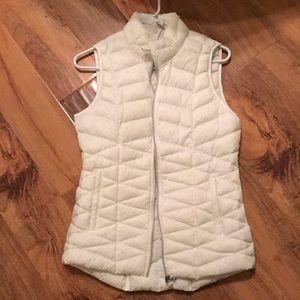 Tangerine brand white lightweight puffer vest