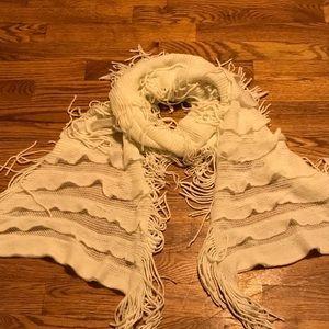 White fringe and ruffle scarf