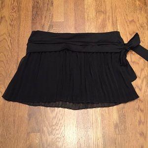 Guess Pleated Mini Skirt
