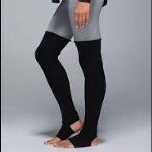 Lululemon Black Bliss Out leg warmer