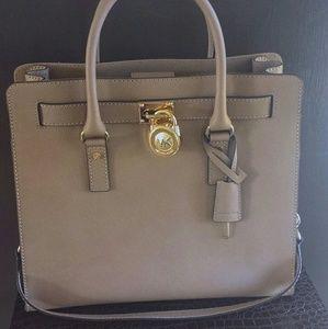 Michael Kors Hamilton Large Tote/Satchels Bag