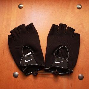 Nike Black Mesh Training Gloves