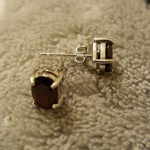 Jewelry - Garnet stud earrings in ss.925