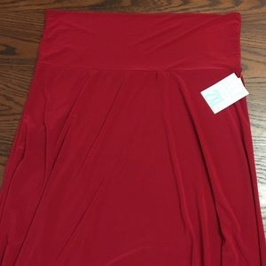 Gorgeous red LuLaRoe maxi