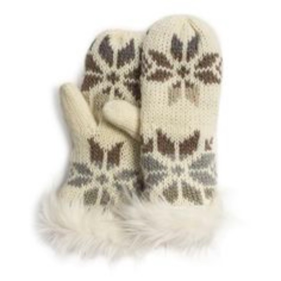 Muk Luks - MUK LUKS ✨NWT✨ Fair Isle Snowflake Mittens from ...