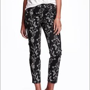 Old Navy Patterned Pixie Pants