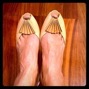 Cute vintage shoes ⚜️👠