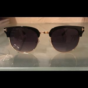 BNWOT. Tom Ford Sunglasses. Perfect Condition.