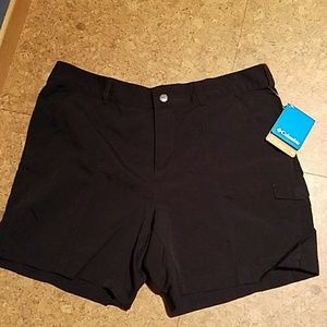 Columbia Psych to Hike black shorts NWT size 14