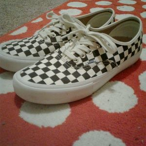 Checker Vans (Lace Up Ultracush)