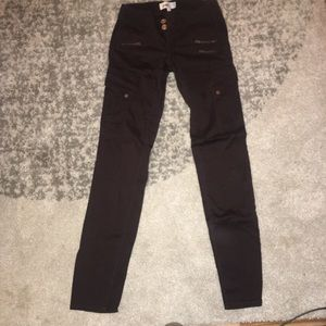 Jolt skinny jeans super cute with zippers