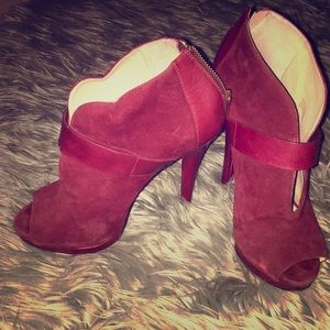 Authentic Michael Kors Red SUEDE Pumps- worn once