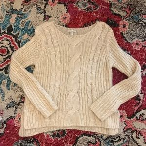 Forever 21 CREAM SWEATER SIZE SMALL