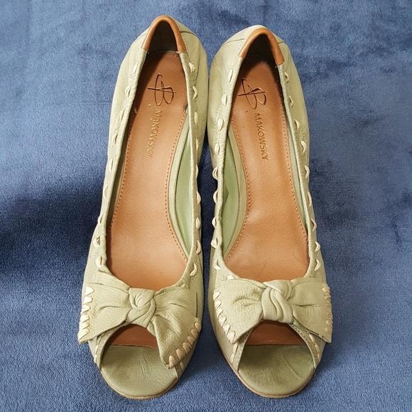 B. makowsky Shoes   B Makowsky Pelle Peep Peep Peep Toe Heels   Poshmark f972d1