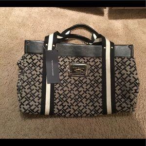 Tommy Hilfiger monogram purse - New!