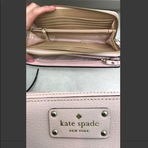 Kate Spade Tech savy wristlet/wallet