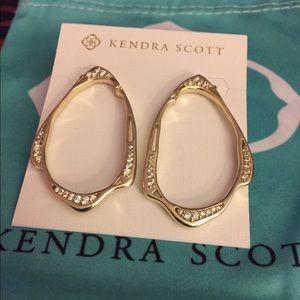 Kendra Scott Livi Earrings in Gold