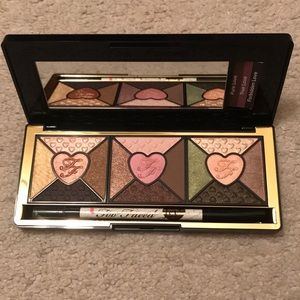 Too Faced Love eye shadow palette