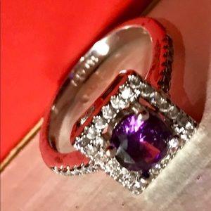 Jewelry - Beautiful ring😍