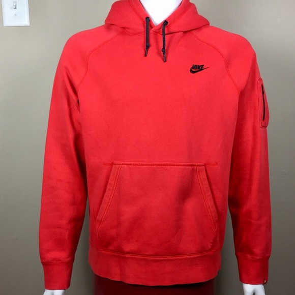 9118ba87208a Mens Large Red Nike Hoodie with arm pocket. M 5a0fb6d613302ac9f60060de