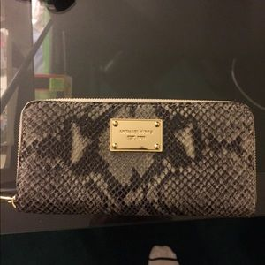 NEW Michael Michael Kors Snakeskin Leather Wallet