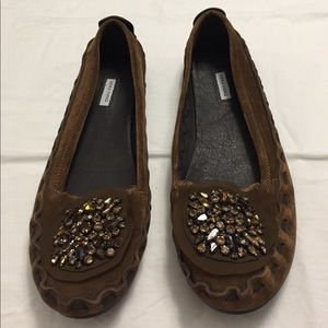 Vera Wang Brown Sueded Flats