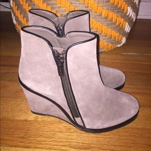 Vince Camuto suede wedge ankle boot 9 NWT