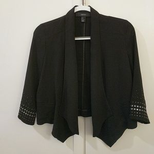 Forever 21 cropped black blazer, size S