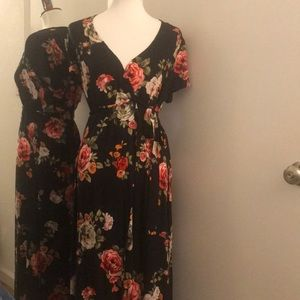 Lightweight wrap dress with tie closure and roses