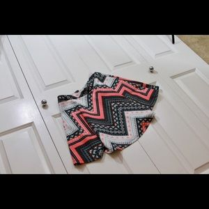 Retro-inspired geometrical printed polyester skirt