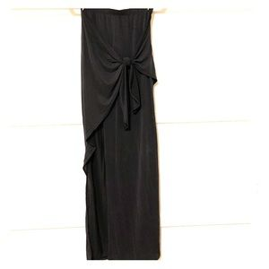 Long maxi skirt with tie and slit