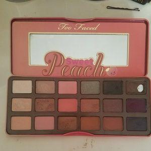 Too faced peach pallete