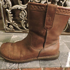 UGG ALISO BROWN LEATHER BOOTS ~ 12 ~ POPULAR STYLE