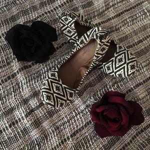 🍀Lucky Brand🍀 Cream & Black Flats