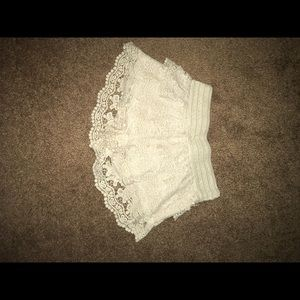 Doily flower embroidered lace shorts