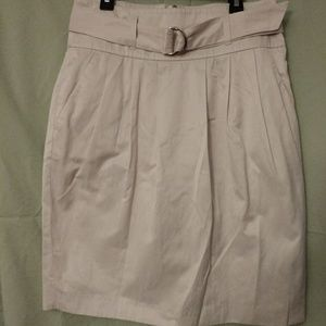 Khaki Banana Republic skirt with belt