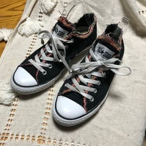 Coverse Distressed layered low top sneakers | s. 9