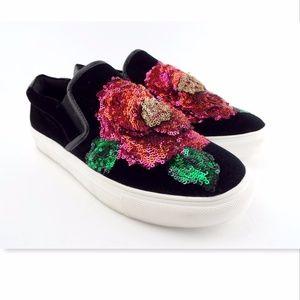 New STEVE MADDEN Camelia Flower Slip On Sneakers