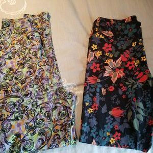 2 pairs of lularoe leggings