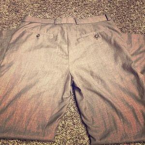 Nice men's dress pants by Perry Ellis 33/32