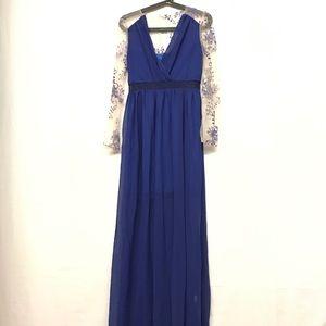 NWOT Lace sleeve deep V maxi dress
