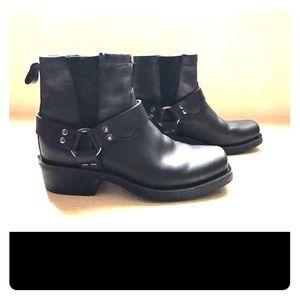 7.5 Black Leather Dingo boots