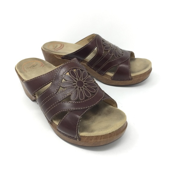 921fe4f1e312 Dansko Shoes - Dansko Brown flower clog sandals Sz 38 us 7.5-8