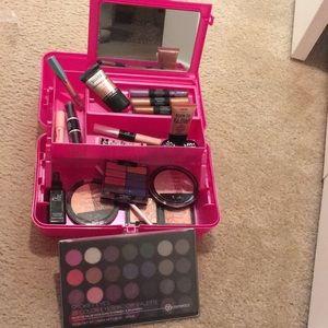 Makeup Bundle Eyeshadow Palettes Illuminators