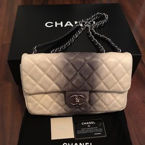 Authentic chanel Caviar Quilted Ombré Single Flap