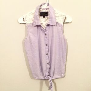 Hurley Lavender Lace Sleeveless Button Up Tie