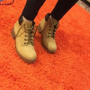 Tim boots booties