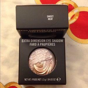 Mac eyeshadow (nwb)