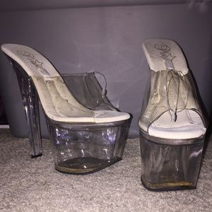 Pleasers Clear heels