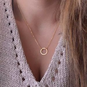 Gold circle pendant chain necklace